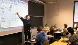interaktiv digitális tábla finn iskolában